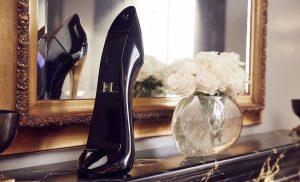 بررسی عطر زنانه گود گرل برند کارولینا هررا